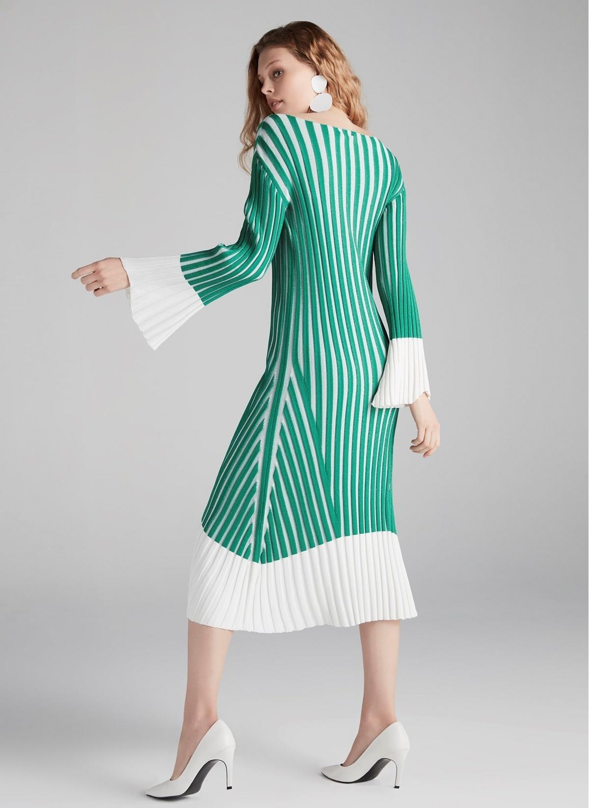 Yeşil triko örgü elbise